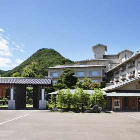 ホテル富士屋外観